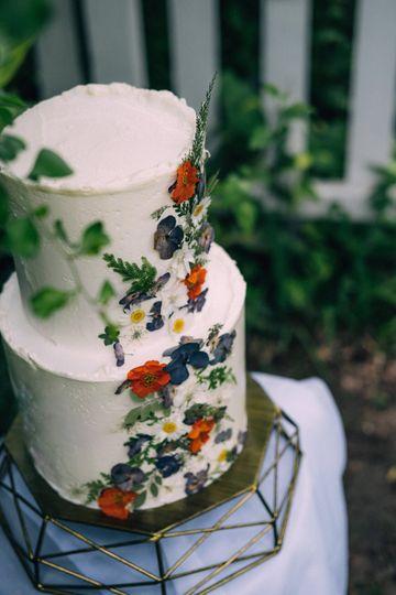 Rustic Pressed Flowers Cake