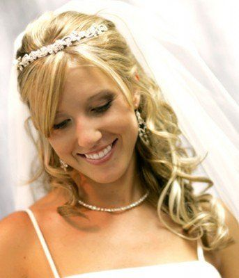 Look and feel like a Princess on your special day with this simple yet elegant style. Great look for...