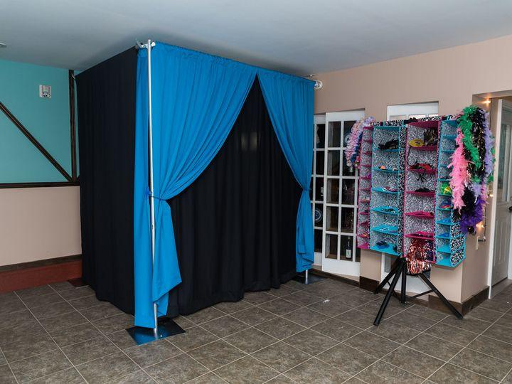 Tmx 08 Photo Booth Setup Mr Mrs Van Allen 0018 Xl 51 742321 Albany, NY wedding dj