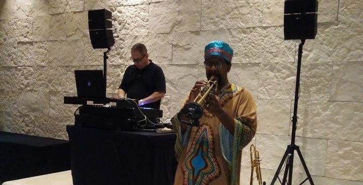 Trumpet & Dj performance