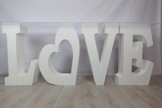 Love sweerheart table