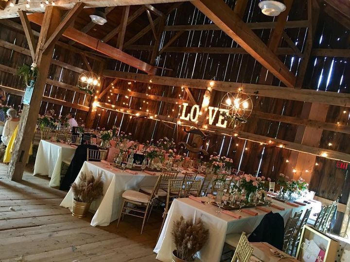 We specialize in barn wedding
