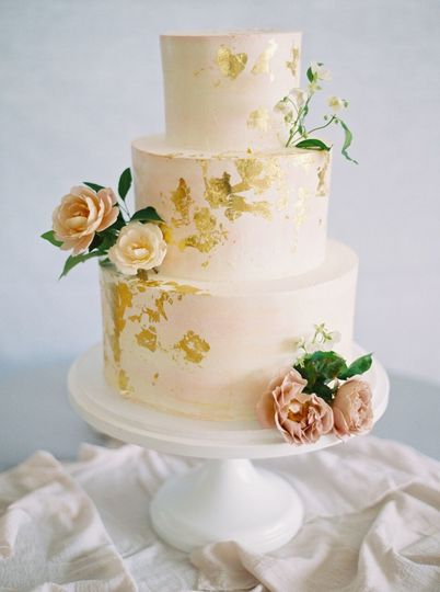 Couple Photo Wedding Cake