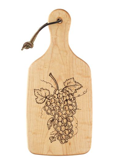 f5cfb68531ac3a78 grapes on the vine cutting board2