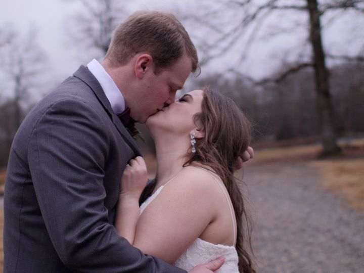 Tmx 191228 Schexnayder Biram Wedding Film 00 05 25 21 Still001 51 1069321 160055081484316 Starkville, MS wedding videography