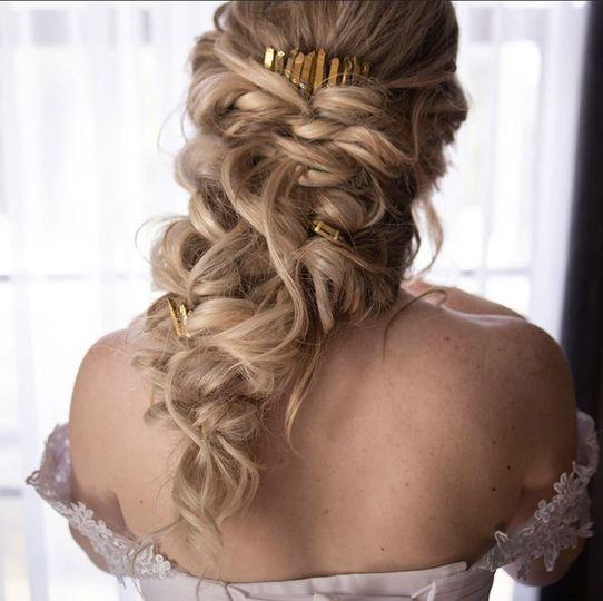 Greek goddess hairstyle