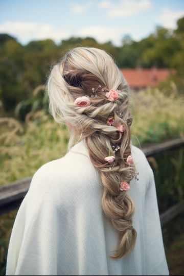 Loose braid and floral details