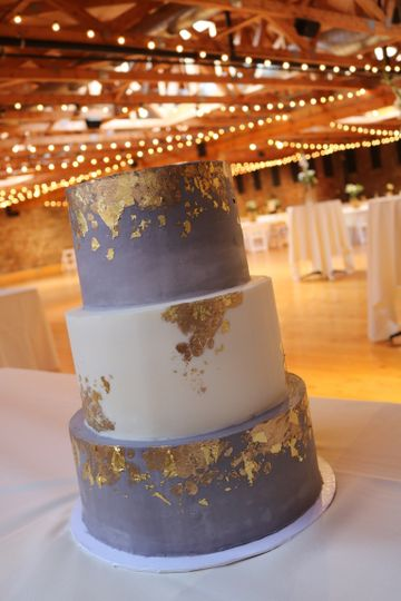 Grey, White and Gold Cake