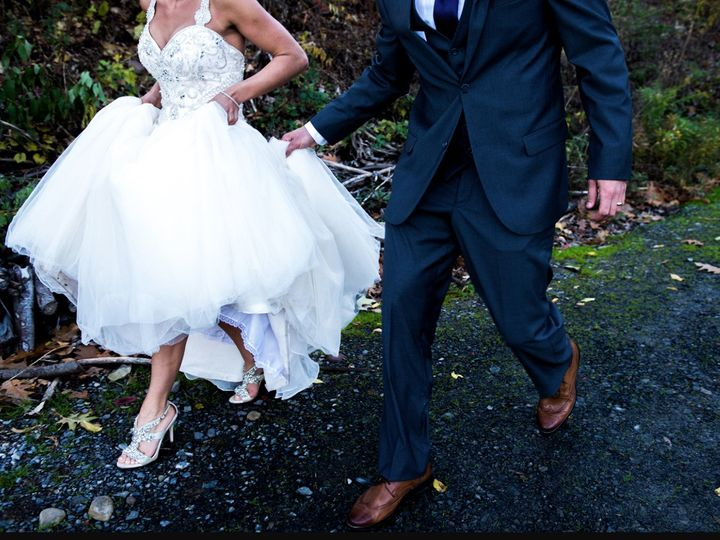 Tmx 1495044148900 Screen Shot 2017 05 17 At 1.59.38 Pm Skaneateles, New York wedding photography