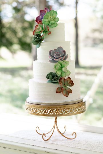 Wedding cake | Jenna Davis Photography Cake: Canapes CateringGold Cake Stand: Rentals from venue