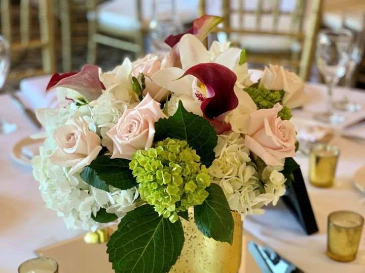 Tmx Florals At Sarah And Noels Wedding Flowers By Darlene At The Hawthorne Hotel 51 1017421 157626087548532 Burlington, MA wedding planner