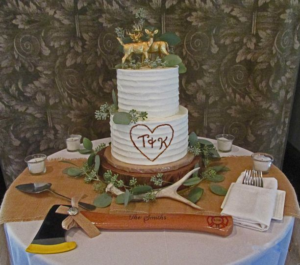 Rustic design with swirled buttercream
