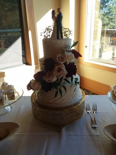 Swirled Cake design!