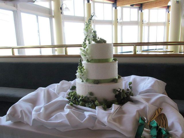 Tmx 1437933430532 Snapdragons Hops And Buttercream Auburn, CA wedding cake