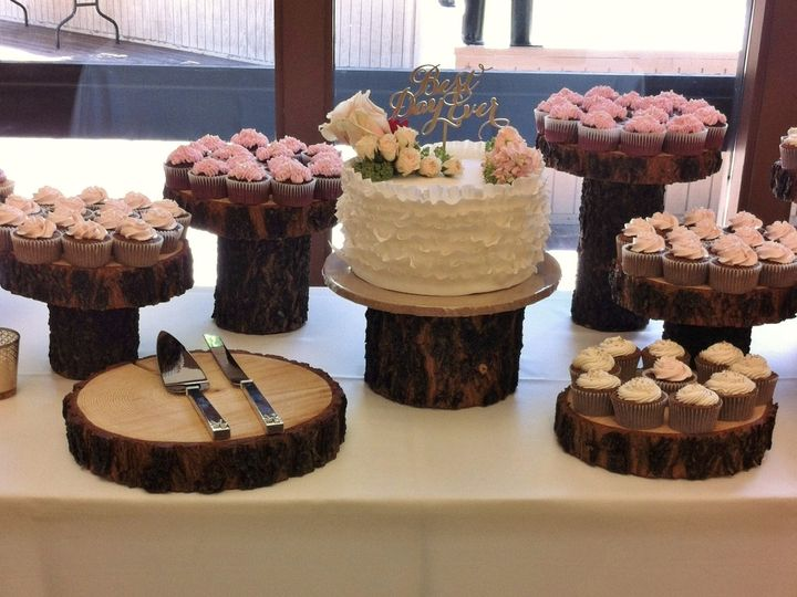 Tmx 1437933968872 Ruffle Cutting Cake  Cupcakes Auburn, CA wedding cake