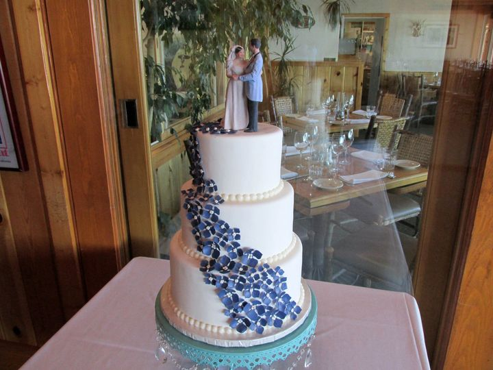 Tmx 1477811758176 Blue Hydrangeas Auburn, CA wedding cake