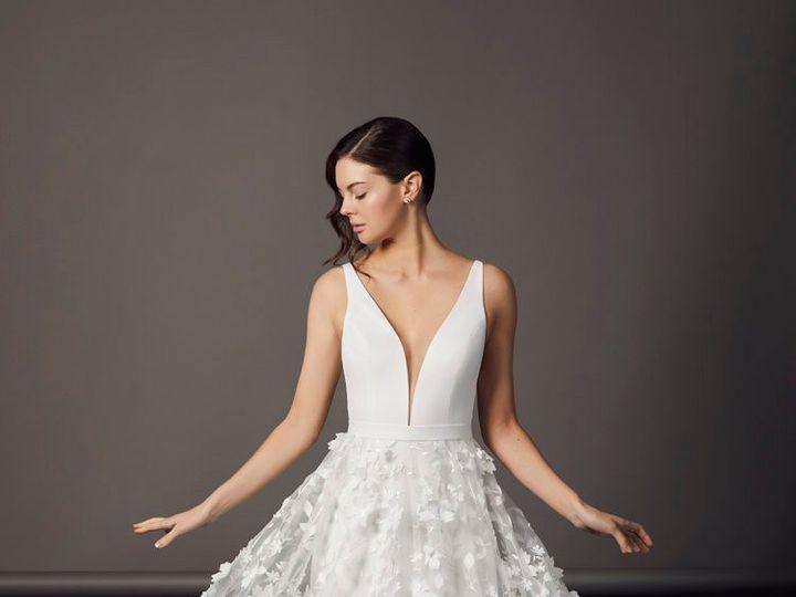 Tmx 190205 Savin Sh05 026 51 987421 1564850261 Montclair, New Jersey wedding dress