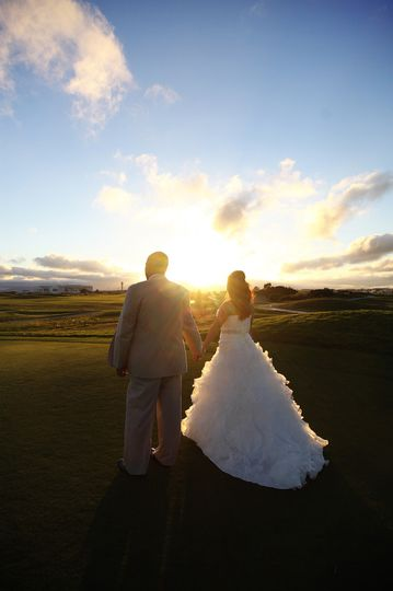 This couple was married at the Metropolitan Golf Links in Oakland, California.