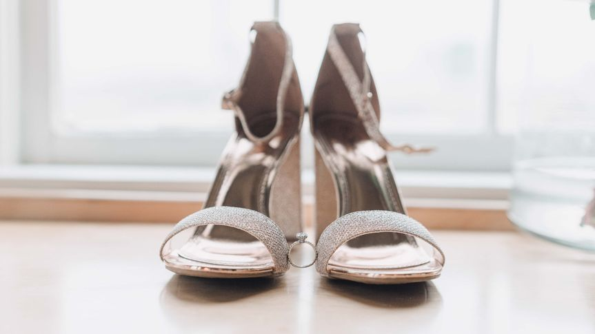 Brides shoes and ring