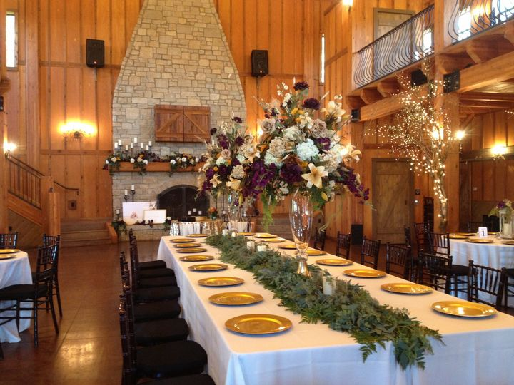 Grand kings table for wedding party