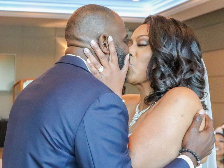 Tmx First Kiss 51 1205521 160054227438414 Saint Peters, MO wedding venue