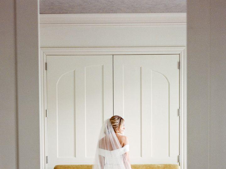 Tmx Blue Hen Editorial 167 51 107521 1559855713 Saratoga Springs, New York wedding dress