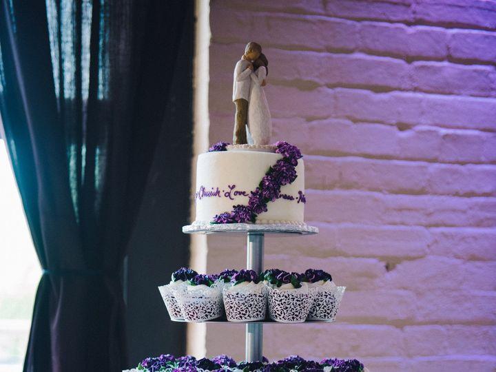 Tmx 1481048561084 Molliejohanuwedding500 Marshfield wedding cake