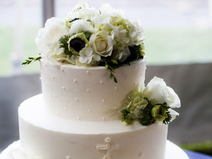 Tmx 1481077353790 Harn 985 Marshfield wedding cake