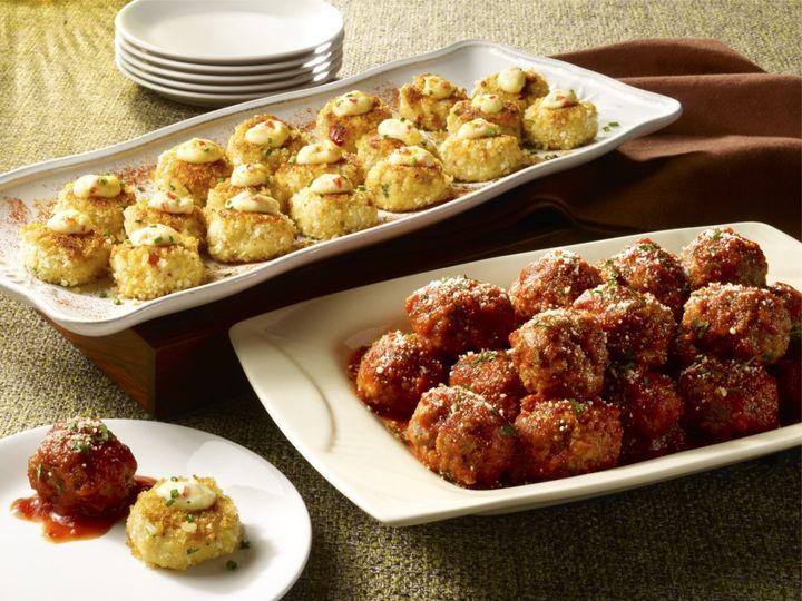 meatballs w crabcakescatering2