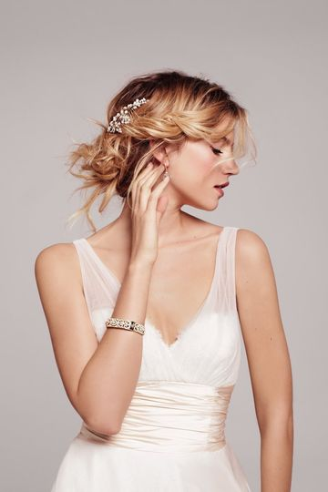 3bd03c80f569 BL1330 1358443015723AnneBarge2 The Nordstrom Wedding Suite Nouvelle ...