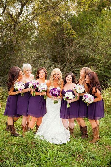 bridesmaidssouthernsimplyyoursweddingsflowerseggpl