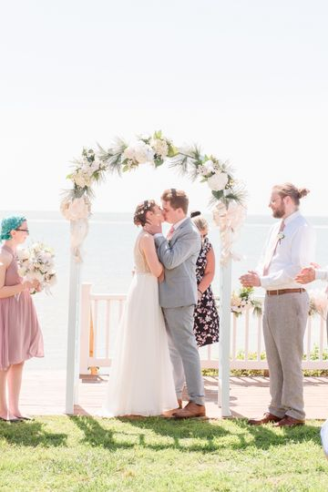 First kiss as husband & wife.