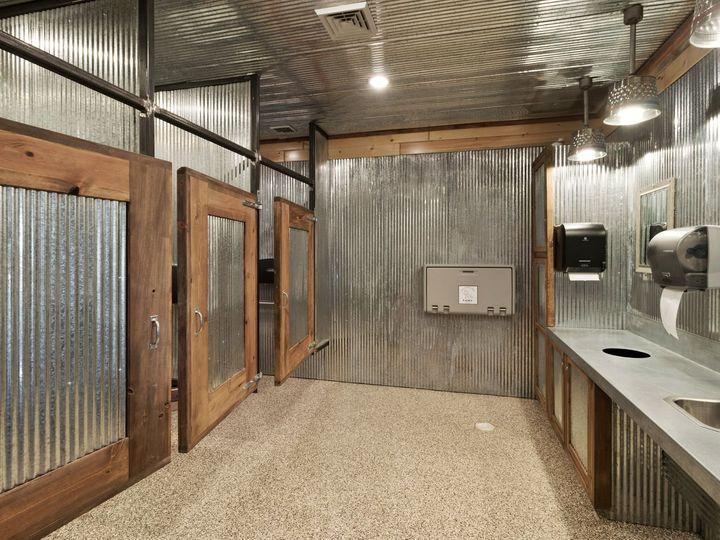Tmx Bathroom 2 51 1014621 Winterset, IA wedding venue