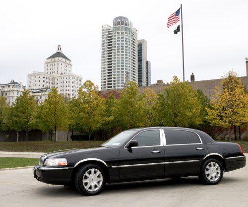 Tmx 1338481618965 Corporatecarserviceroyallimomilwaukee Milwaukee, Wisconsin wedding transportation