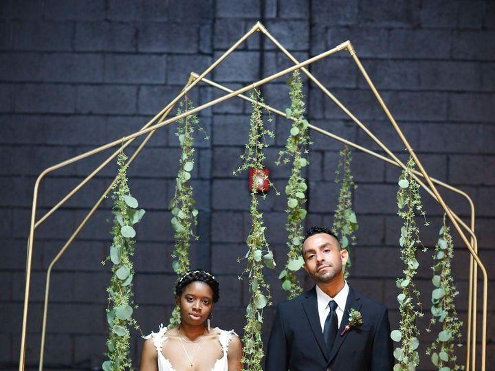 Tmx 1515791388 031ed0838e49ba7e 1515791383 4bac814d5e8492ce 1515791353521 3  I0A7677 Ferndale, MI wedding florist