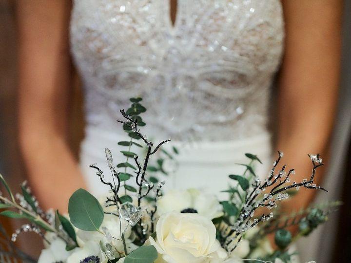Tmx 1530300631 5cd8a135678a3d9e 1530300630 0ebdbb78da1ba21c 1530300628969 4 0943 Ferndale, MI wedding florist