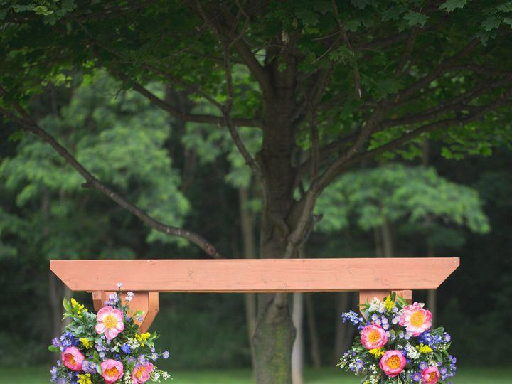 Tmx 1533958553 Aa87999eeabb0b6d 1533958550 F27331e21312e192 1533958540952 6 117 Wedding Shanno Ferndale, MI wedding florist