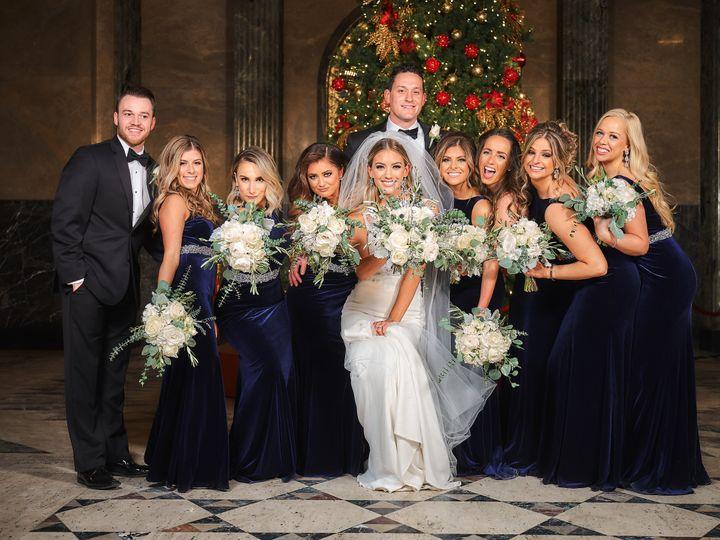 Tmx 2606 51 95621 Ferndale, MI wedding florist