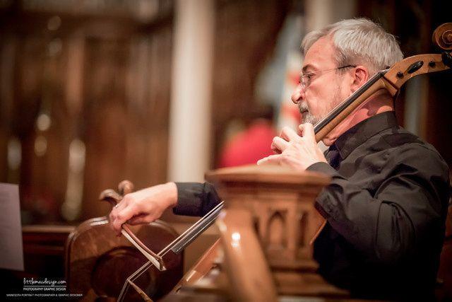 spsq cellist in action