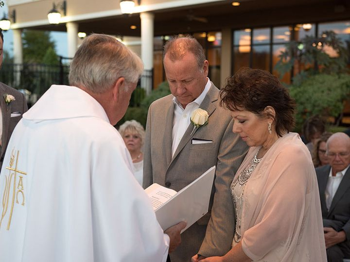 Tmx Bill Diane Wedding99of557 2 51 13721 Houston, Texas wedding officiant