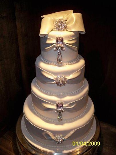 jay qualls cakes wedding cake nashville tn weddingwire. Black Bedroom Furniture Sets. Home Design Ideas