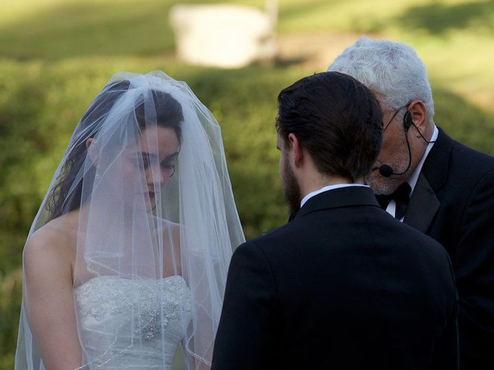 Tmx 1537577912 9091a17ca9be0373 1537577911 3e80b537f000f884 1537577906623 10 Toni Clovis, California wedding officiant