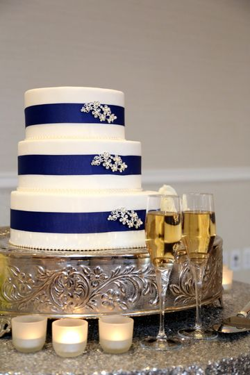 3-Tiered Wedding Cake on Silver Pedestal Stand