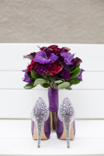 Purple bouquet and shoes