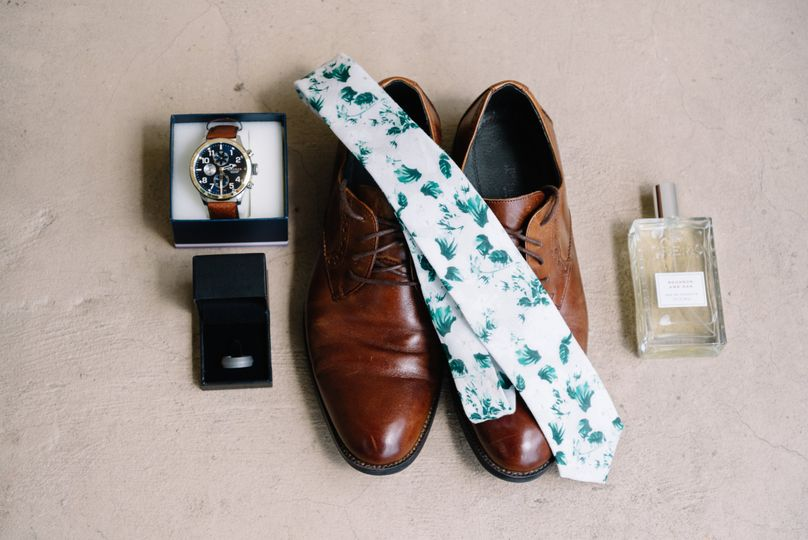 Groom's essentials flatlay