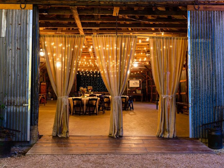 Tmx Barn Front Closeup Twilght 070319 51 1052821 1562208546 San Marcos, TX wedding venue