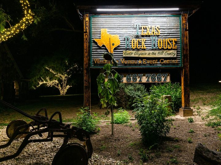 Tmx Sign Sunflower Night 070319 51 1052821 1562208576 San Marcos, TX wedding venue
