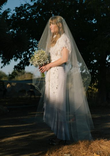 Chris & Ashley - Pioneertown - bride with veil