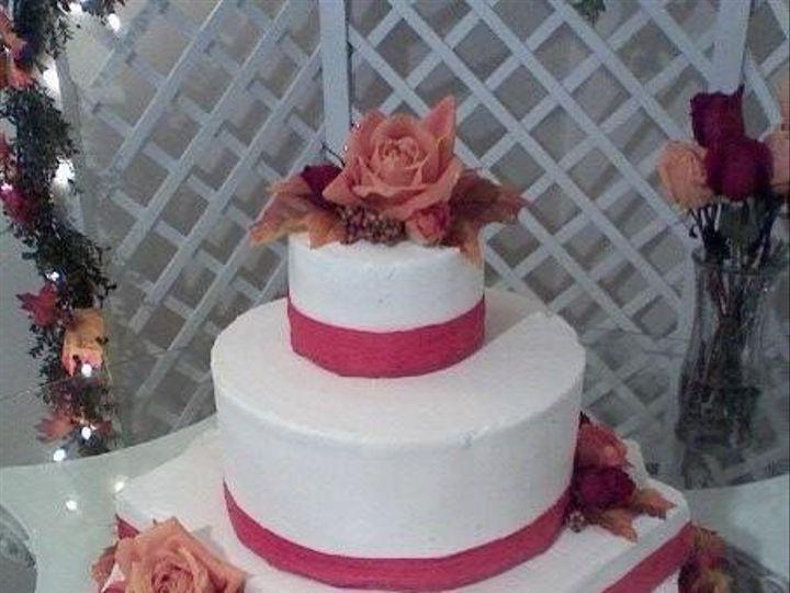 Tmx 1264403859523 L271c743113d348a89e347288aa8d879f Frankenmuth wedding cake