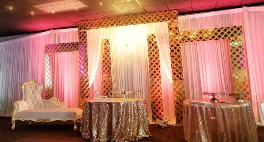 Custom Modern Stage Sets for Receptions